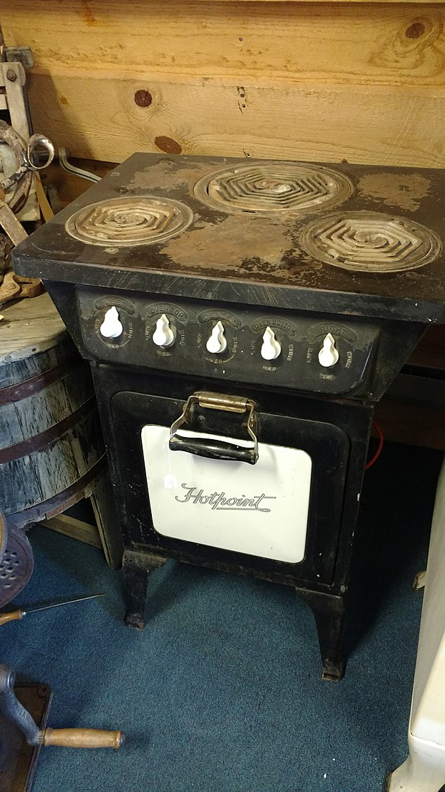 10-11 Kokomo Joe's Hotpoint ceramic coils electric stove