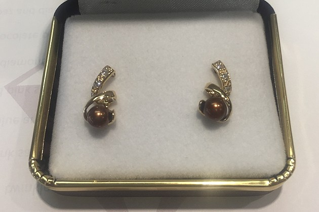 2-3 Riddle's Jewelry 10K Yellow Gold Dyed Chocolate Pearl Earrings